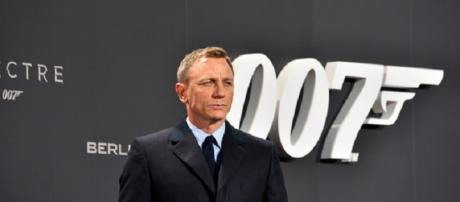 James Bond-themed auction for charity