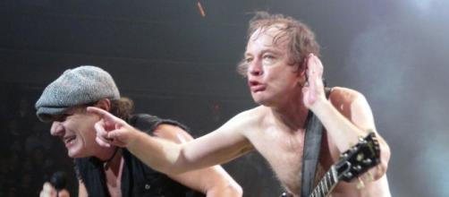 AC/DC está en contra de los productos falsificados