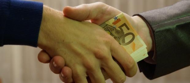 Corruzione, male ancora molto diffuso in Italia