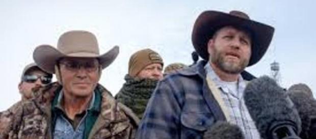Arrestati i fratelli Bundy dopo un blitz