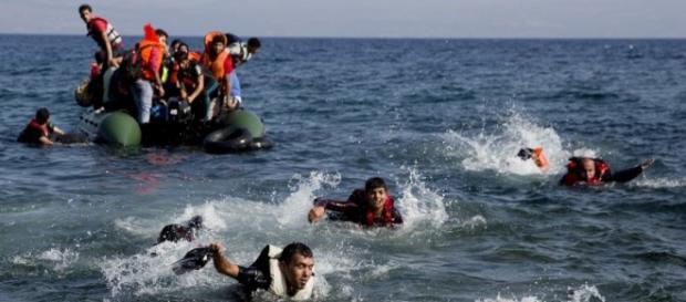 Socorro a vários refugiados e imigrantes