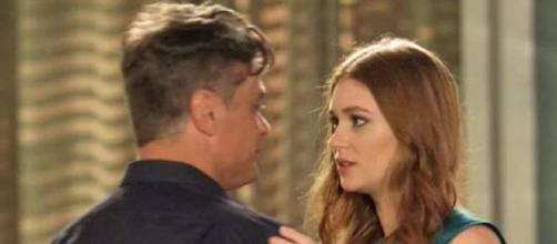Eliza e Arthur dão mais um 'beijo técnico'