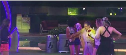 Geralda caiu (Reprodução/Globo)
