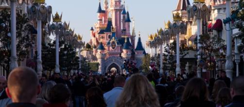 Terrore nel parco divertimenti Disneyland Paris