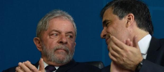 Lula não é investigado, segundo ministro