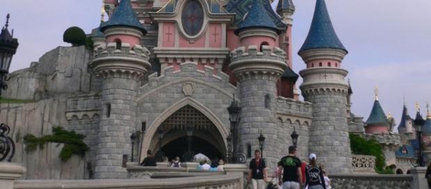 Uomo armato arrestato a Disneyland Paris