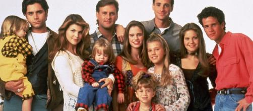 Fuller House: Cast with Olsen Twins (Flickr)