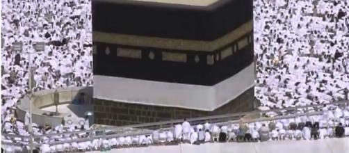 La piedra negra de la Meca Euronews