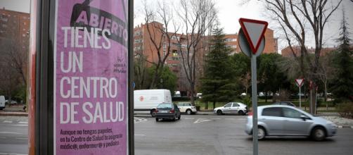 Campaña tienes un centro de salud/ Al Esnaporaz