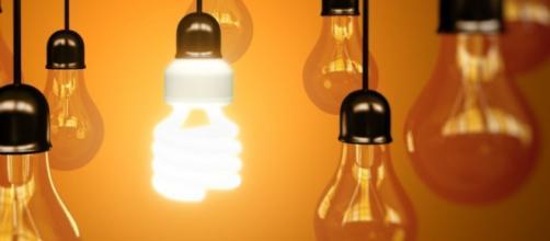 """Llegó el tarifazo de luz, Macri pide """"ahorren"""""""