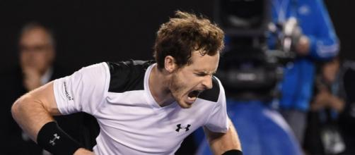 Murray beats Raonic in five sets