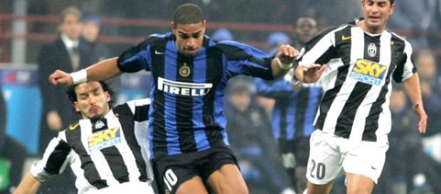 Adriano atuando na Inter de Milão