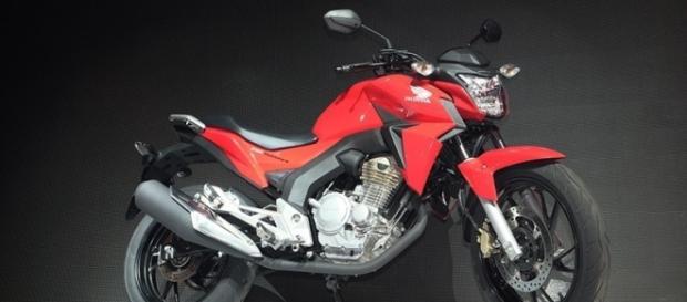 Nova moto Honda CB Twister 250