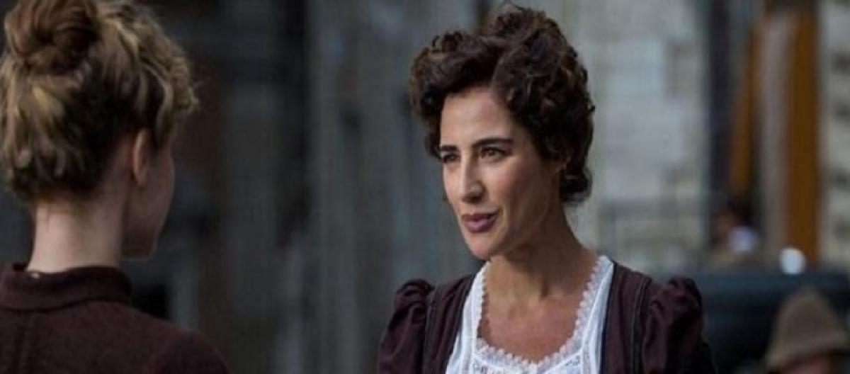dda1272ca79a7 Replica Luisa Spagnoli prima puntata del 1° febbraio  dove vederla