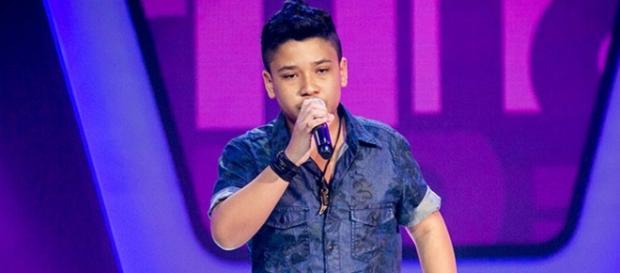 Roberto Matheus emociona a todos no The Voice Kids