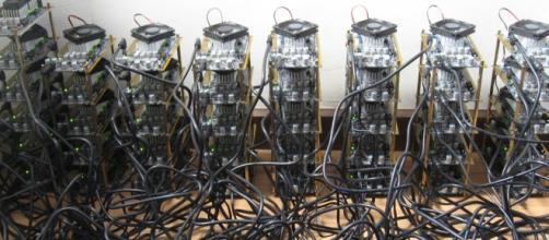 Estrutura montada para minerar BitCoins