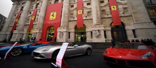 Modelli Ferrari in esposizione in Borsa Italiana