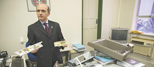 Polícia desarticula fábrica de cartões clonados
