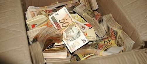 Projeto preve a extinção do dinheiro em espécie