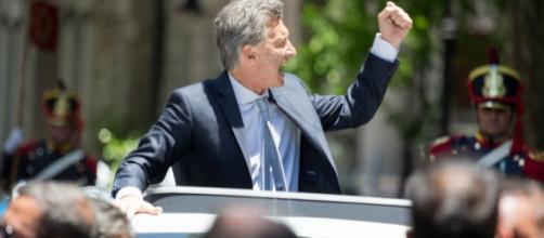 Macri por DNU impone monopolización de medios