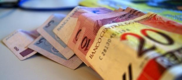 O valor do salário mínimo será de R$ 880