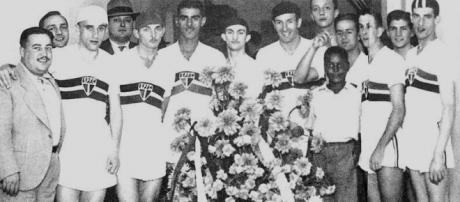 O São Paulo FC em 1938. (Arquivo SPFC)
