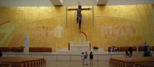 Basílica em Fátima; Fonte: pt.wikipedia.org