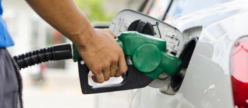 Gasolina tem preço novo em 2016