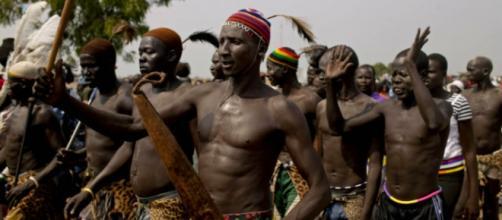 Miembros de la etnia dinka pertenecientes a Sudan.