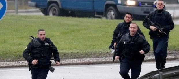 Agenti in allarme, a Parigi è sempre alta tensione