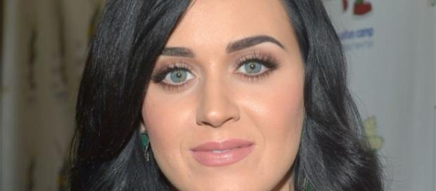 Katy Perry foi nomeada a rainha do Twitter