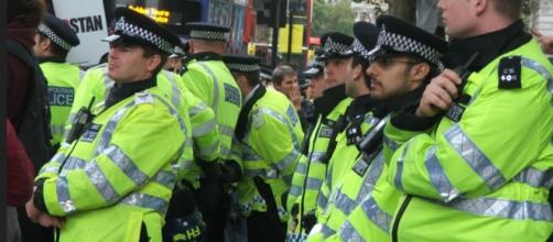 Grande spiegamento di forze di polizia a Liverpool