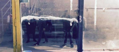 Lavaggio dei vetri del settore Tribuna Scoperta