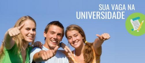 Veja como garantir sua bolsa de estudos com o ENEM