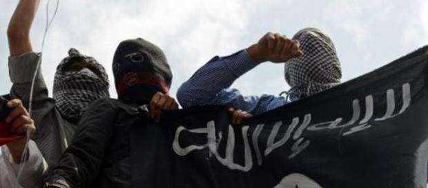 Homem bomba mata 10 turistas em praça na turquia