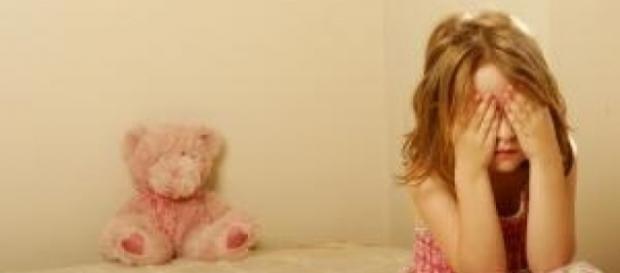 Minoră, violată și desfigurată și abandonată