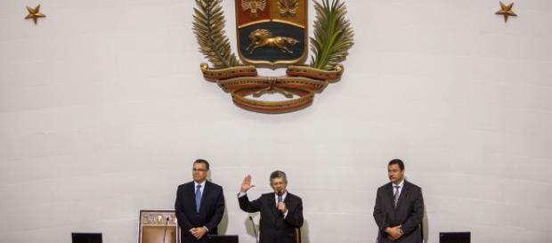 Ramos Allup se juramenta como Presidente de la AN