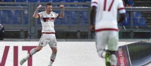 La gioia del centrocampista rossonero dopo il goal