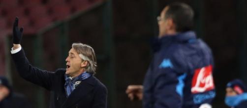 Scoppia la lite a bordocampo tra Sarri e Mancini.