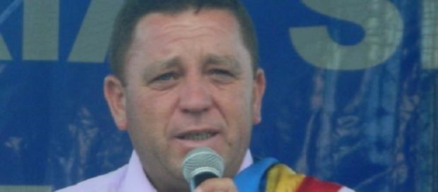 Lucian Istrate,primarul comunei Tătulești