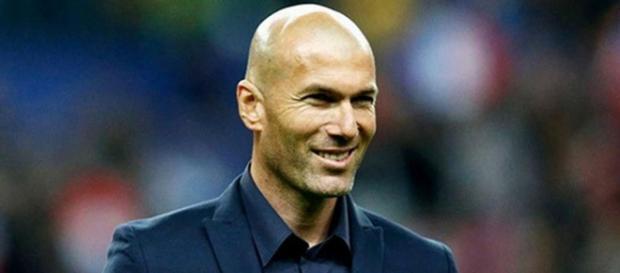 Zidane sorri após goleada do Real Madrid