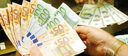 I conti correnti diventano più cari per pagare le banche salvate ... - lastampa.it