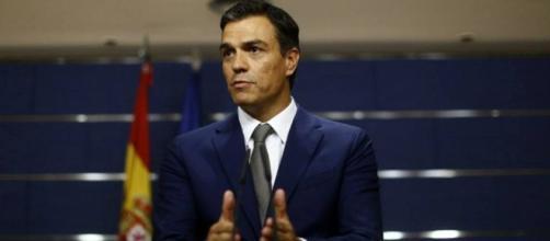 La dimisión de Pedro Sánchez, líder del PSOE es el bombazo de la jornada