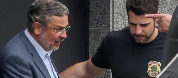 Antonio Palocci permanece preso em Curitiba (Foto: Pedro Kirilos / O Globo)