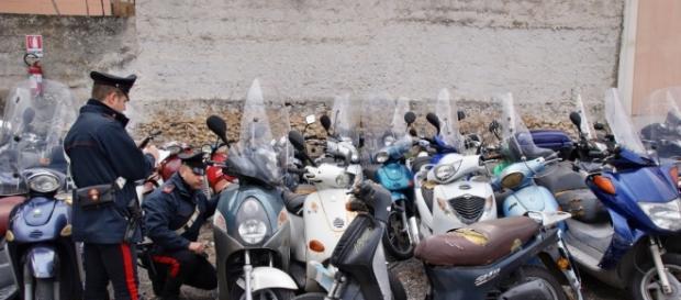 Dopo l'agguato di Camorra nel fortino dei Lo Russo, le forze dell'ordine sequestrano moto