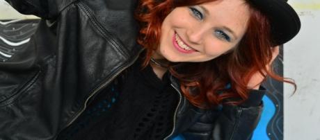 La cantautrice Nathalie in posa per Blasting (foto di Marta Petrucci)