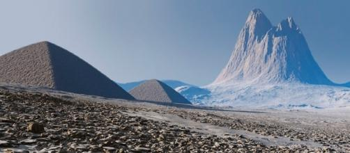 Imagens das supostas pirâmides encontradas na Antártida