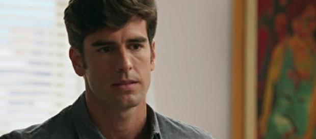 Felipe não aceita perder Shirlei tão fácil em 'Haja Coração'