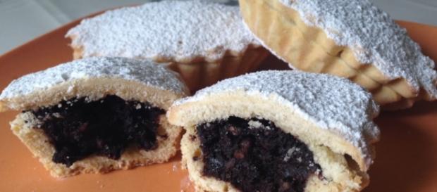 I bocconotti Siciliani ripieni al cioccolato.