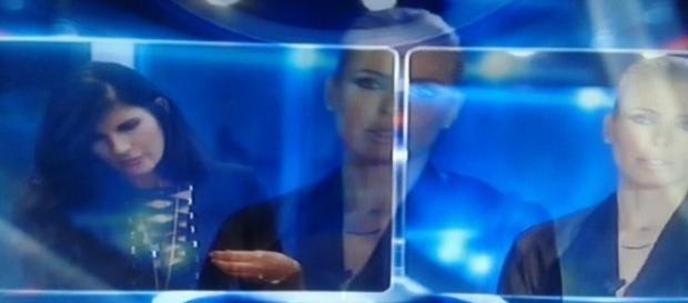 Ilary Blasi comunica la squalifica a Pamela Prati
